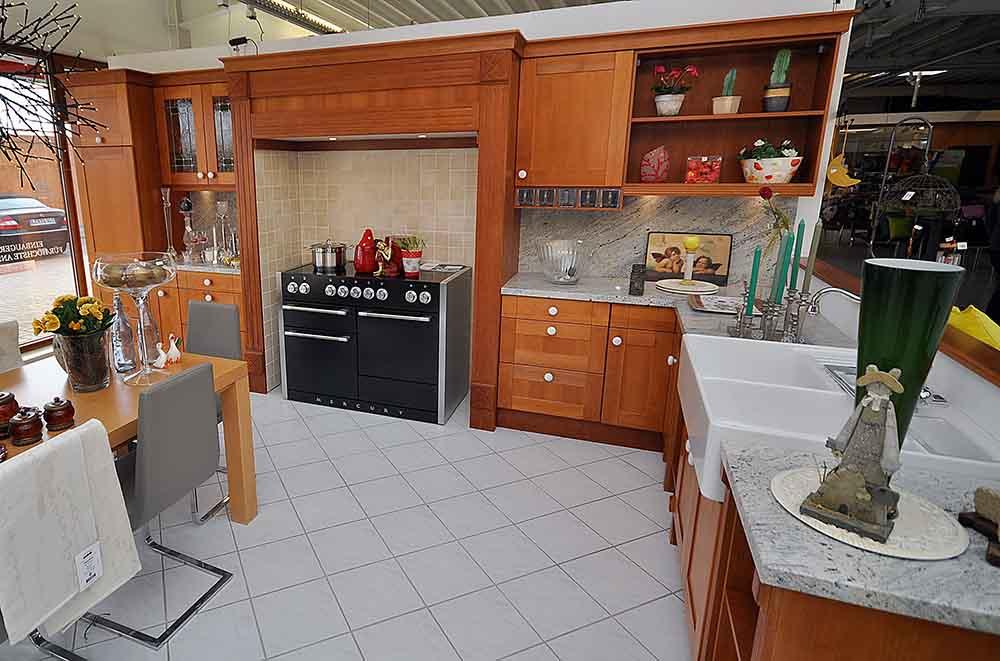 Landhausküchen: Ihre Landhausküche von Küchen Pohl